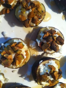 honey-drizzled figs with goat cheese and toasted pistachios
